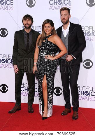LOS ANGELES - JAN 07:  Lady Antebellum arrives to the People's Choice Awards 2014  on January 7, 2015 in Los Angeles, CA