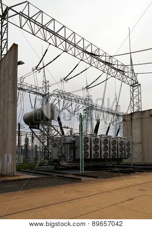 Part of high-voltage substation with disconnectors