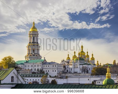 Kiev-pechersk Lavra Against The Sky With Clouds Autumn