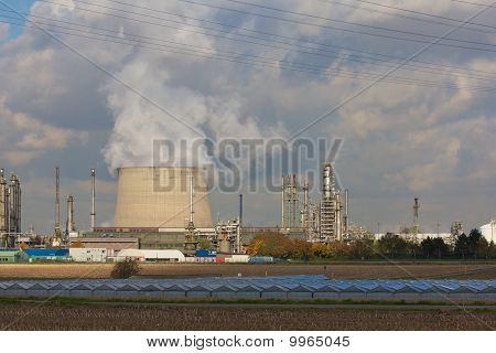 Industrie Combined With Agricutlutre