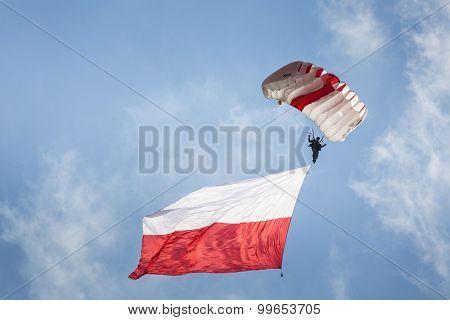 Radom, Poland - August 23: Parachutist With The Polish Flag At Air Show Radom 2015 Event On August 2