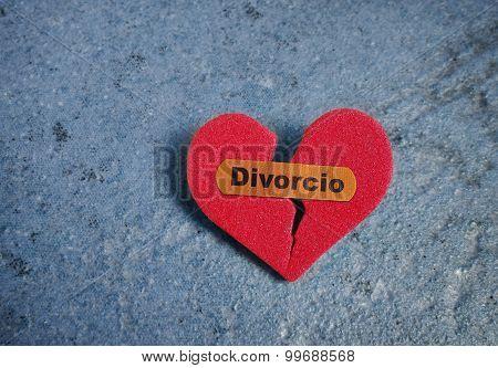 Broken Divorcio Heart