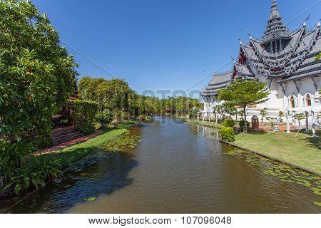 BANGKOK, THAILAND - JULY 30, 2015: Ancient Siam ( Ancient City, Mueang Boran) par