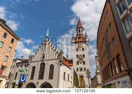MUNICH, GERMANY - SEPTEMBER 06, 2015: Cityscape with bier houses and restaurants outdoors on Platzl in Munich, Bayern, Germany