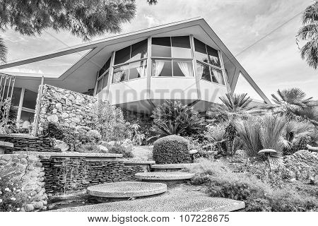 Modernistic Elvis Presley Honeymoon Home In Black And White