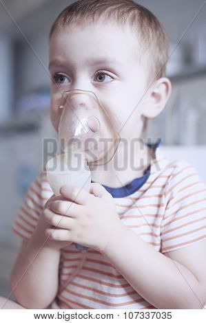 inhalation by nebulizer