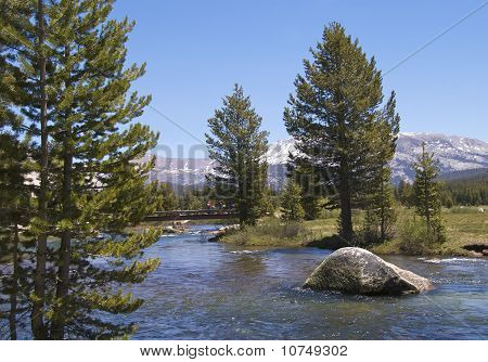 Hikers on Tuolumne bridge, Yosemite