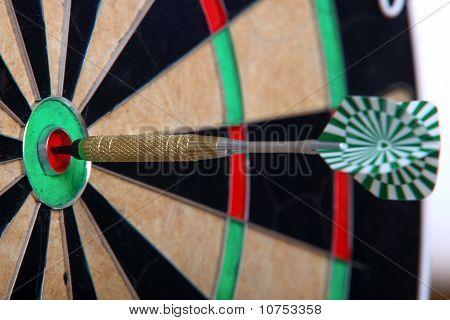 Arrow Stiffed In The Center