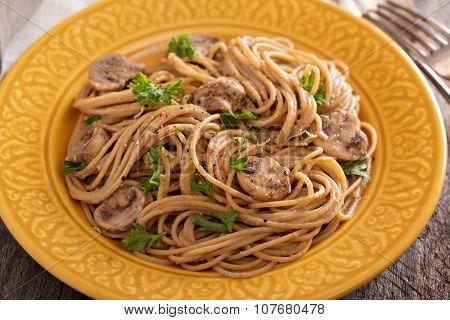 Mushroom whole wheat spaghetti