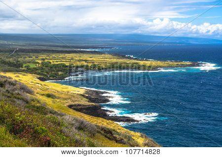 Honuapo Bay coast in Big Island, Hawaii