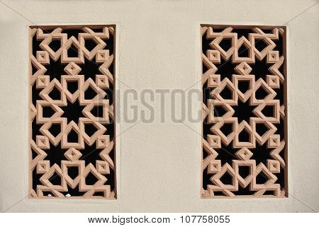Islamic decorative pattern wall made from precast fibre reinforce concrete