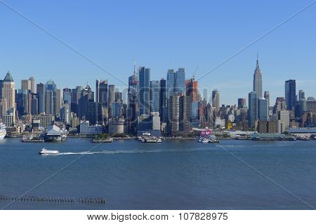Hudson River and Midtown West Skyline
