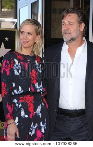 LOS ANGELES - NOV 05:  Kristen Wiig, Russell Crowe at the Ridley Scott Hollywood Walk of Fame Star Ceremony at the Hollywood Blvd on November 05, 2015 in Los Angeles, CA