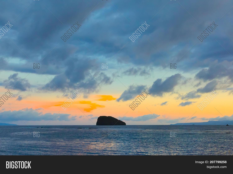 Beautiful Sunset Landscape In Candidasa Indonesia Nature Scenic Wallpaper