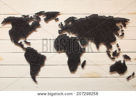 The model map of the continents .
