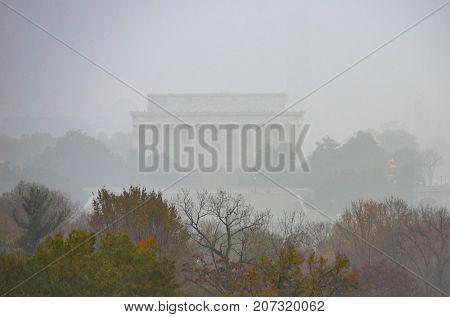 Washington DC in fog - Lincoln Memorial