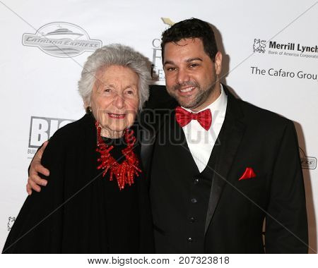 LOS ANGELES - SEP 30:  Marcia Nasatir, Ron Truppa at the Catalina Film Festival - September 30 2017 at the Casino on Catalina Island on September 30, 2017 in Avalon, CA
