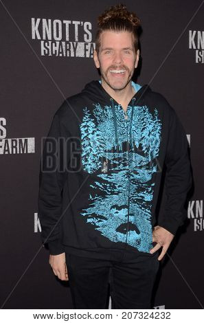 LOS ANGELES - SEP 29:  Perez Hilton at the Knott's Scary Farm and Instagram Celebrity Night at the Knott's Berry Farm on September 29, 2017 in Buena Parks, CA