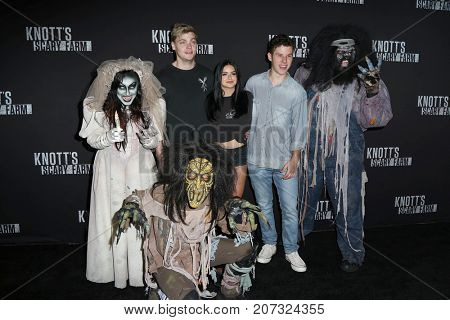 LOS ANGELES - SEP 29:  Nolan Gould, Levi Meaden, Ariel Winter at the Knott's Scary Farm and Instagram Celebrity Night at the Knott's Berry Farm on September 29, 2017 in Buena Parks, CA