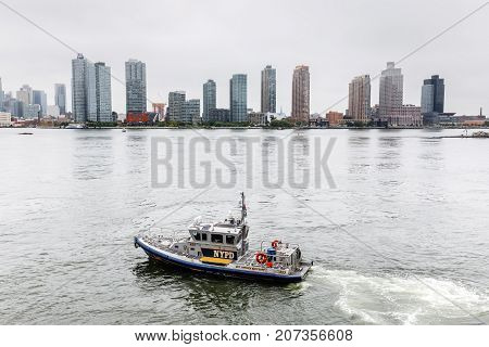 Nypd Boat Patrolling East River