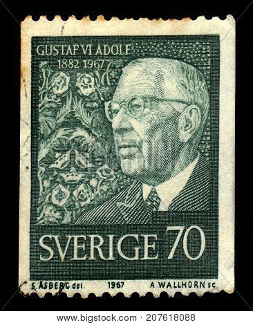 SWEDEN - CIRCA 1967: a stamp printed in the Sweden shows portrait by Gustaf VI Adolf, King of Sweden, series birthday, circa 1967