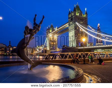LONDON, UK - AUG 1: Girl With A Dolphin Fountain