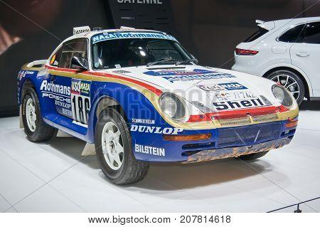 Porsche 959 Paris-dakar Rally Car