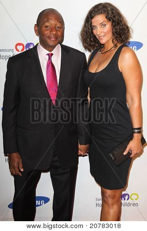 NEW YORK - JUNE 7: Branford Marsalis attends the Samsung Hope for Children Gala at Cipriani Wall Street on June 7, 2011 in New York City, NY.