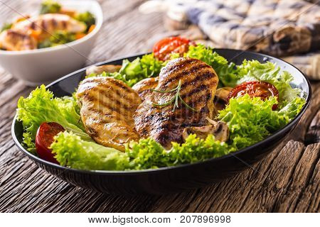Grill Chicken Breast. Roasted And Grill Chicken Breast With Lettuce Salad Tomatoes And Mushrooms