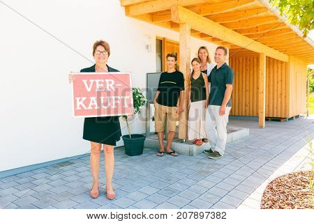realtor with german family selling their house