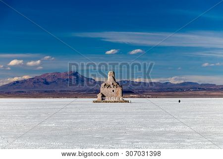Landscape Of Incredibly White Salt Flat Salar De Uyuni, Amid The Andes In Southwest Bolivia, South A