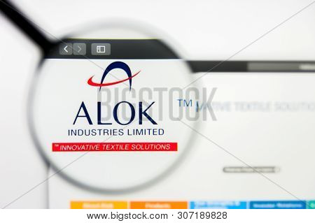 New York, New York State, Usa - 18 June 2019: Illustrative Editorial Of Alok Industries Website Home