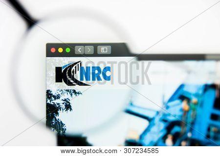 New York, New York State, Usa - 19 June 2019: Illustrative Editorial Of Knr Constructions Website Ho