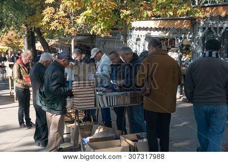 Madrid, Spain - November 12,2017 :unidentified People Shop For Books  In Retiro Park  Madrid, Spain.