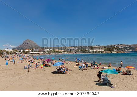 Xabia, Spain-june 7th 2018: Beautiful Sunshine Attracted Visitors, Tourists And Holidaymakers To The