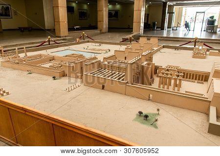 Luxor Egypt 23.05.2018 Anscient Temple Of Karnak In Luxor - Arhology Ruine Thebes Egypt Beside The N