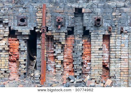 Destroyed refractory brickwork
