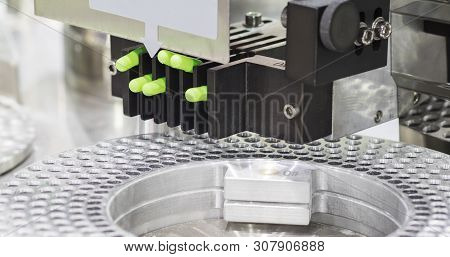 The Medicine Capsules Packing Machine ; Process ; Factory