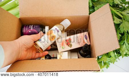 Iherb Site Supplements And Beauty Products Box Unpacking