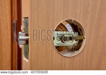 Door Handle Mechanism Shutter Is Visible In Hole Of Latch Assembly.