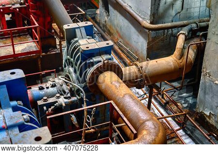 Powerful Dredge Pump For Pumping Highly Abrasive Liquids. Mining And Processing Plant. Large Piping