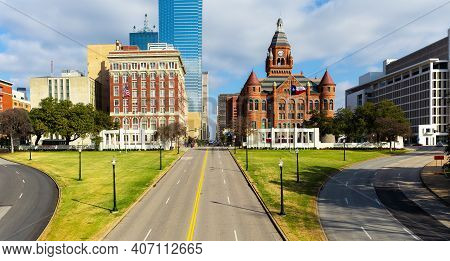 Dealey Plaza, City Park And National Historic Landmark In Downtown Dallas, Texas.