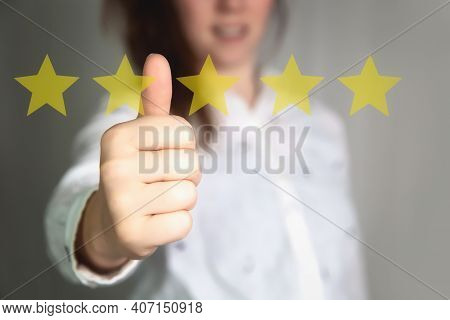 Customer Experience Concept. Woman Hand Showing On Five Star Excellent Rating On Background, Copy Sp