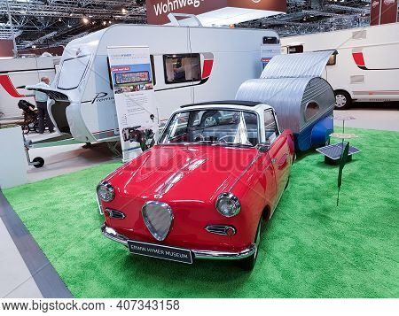 Duesseldorf, Nrw, Germany - August 29, 2018:\\nmotorhomes And Campers For Sale Or Rent At An Exhibit