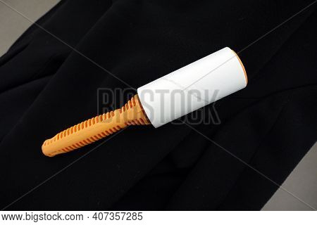 To Easily Collect Dust And Hairs On The Clothes, Lint Collection Apparatus, Adhesive Lint Collection