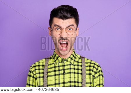Photo Portrait Of Enraged Screaming Man Isolated On Vivid Violet Colored Background