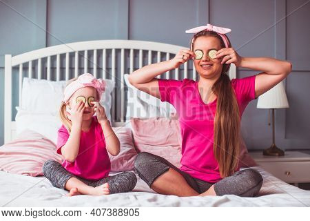 Homemade Spa Salon For Young Mother And Her Liitle Daughter