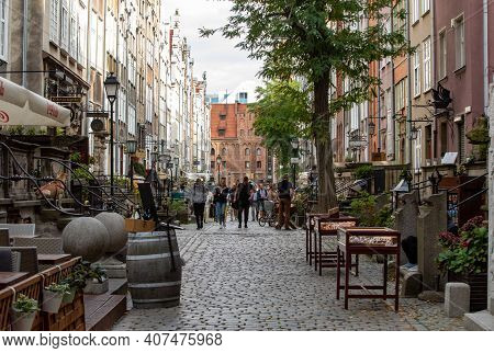 Gdansk, Poland - Sept 9, 2020: Mariacka Street, The Main Shopping Street For The Amber And Jewelry I