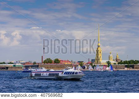 St. Petersburg, Russia - August 18, 2018: Sightseeing Of St. Petersburg. Peter And Paul Fortress, Ne