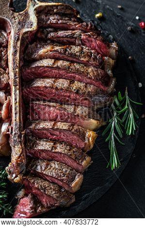 Barbecue Wagyu T-bone Steak, Porterhouse Steak, Bistecca Alla Fiorentina. Beef Steak Medium Rare. Fo